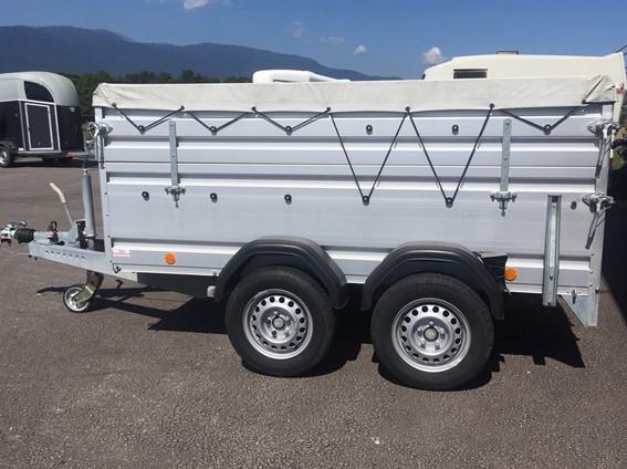 Bâchée - 1'590 kg de charge utile